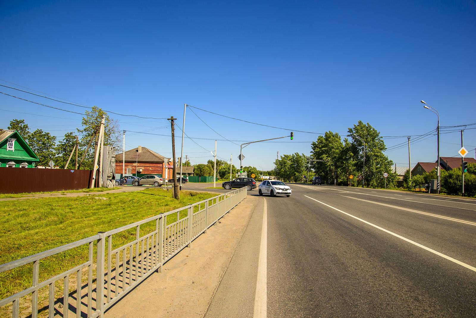 Светофор на повороте к Морозово